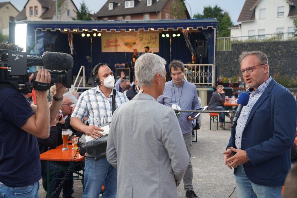 Hessenschau-Moderator Andreas Hieke im Gespräch mit seb-Chef Stefan Pruschwitz.